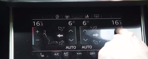 Cine mai foloseste butoanele in ziua de azi? Toate dotarile de pe aceasta masina sunt comandate prin doua ecrane uriase