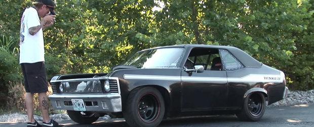 Cineva a facut un mini muscle-car Chevy Nova cu motor de motocicleta. Si pare cea mai tare jucarie din lume!