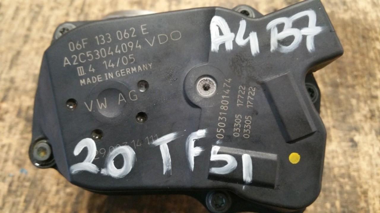 Clapeta acceleratie audi a4 b7 2.0 tfsi byk bpj 170 cai cod 06f133062e