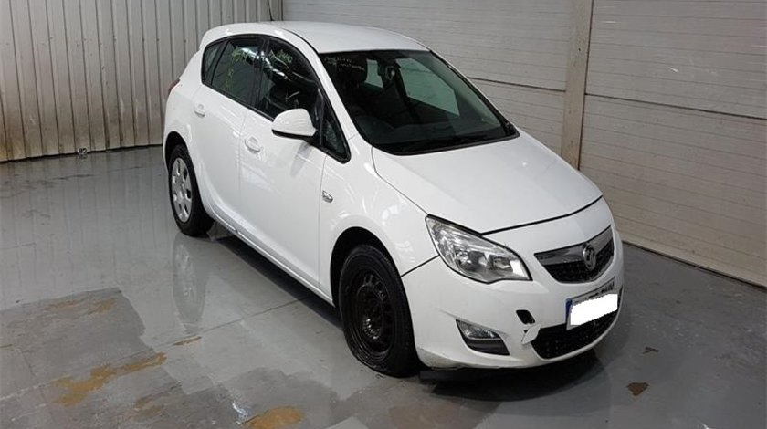 Clapeta acceleratie Opel Astra J 2010 Hatchback 1.6 i