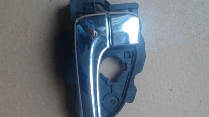 Clapeta deschidere usa stanga fata Hyundai ix35 MK1 (2009-2015) cod 826132S000