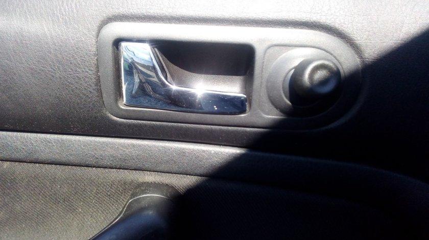 Clapeta interior stanga fata VW Golf 4, 1.4B, 16V , 2000