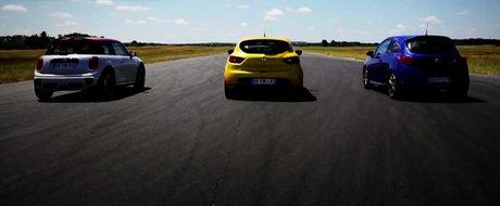 Clio RS, Corsa OPC si MINI JCW se dueleaza intr-o cursa de 1.000 metri. Cine castiga?