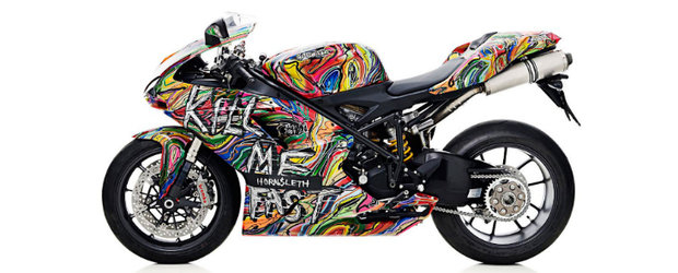 Colectia Ducati Kill Me Fast - Arta intalneste lumea moto
