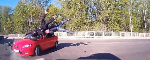 Compilatie cu accidente moto grave: cei care merg pe 2 roti au ce invata!