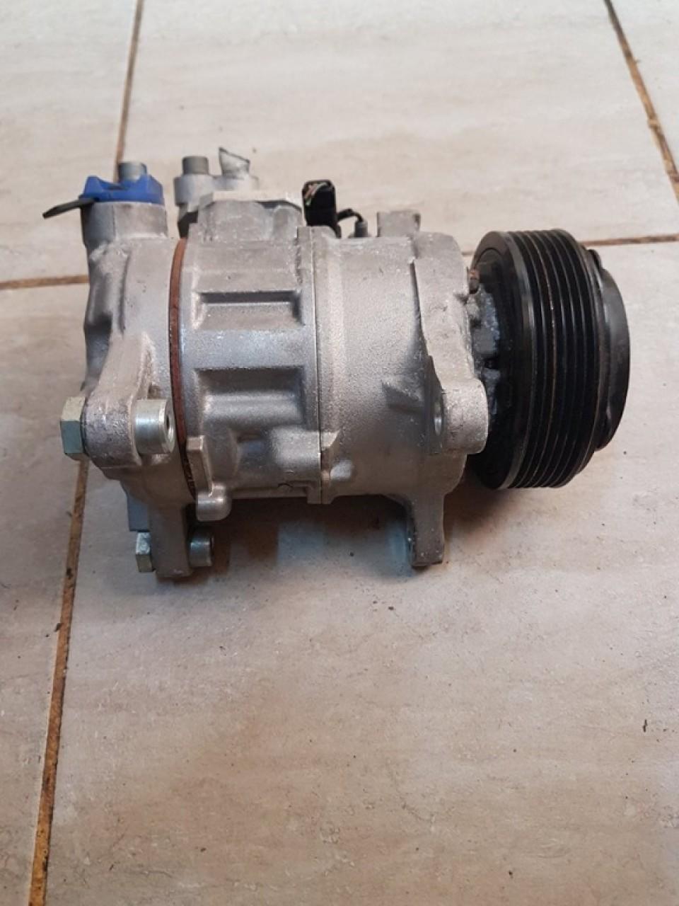 Compresor ac 9215947 bmw seria 5 f10 m550d n57