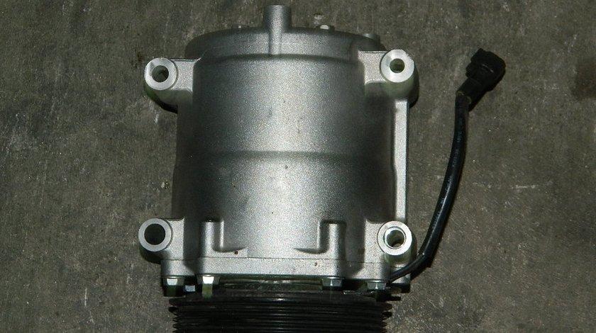 Compresor AC Ford Fiesta 1.4 TDCI model 2012