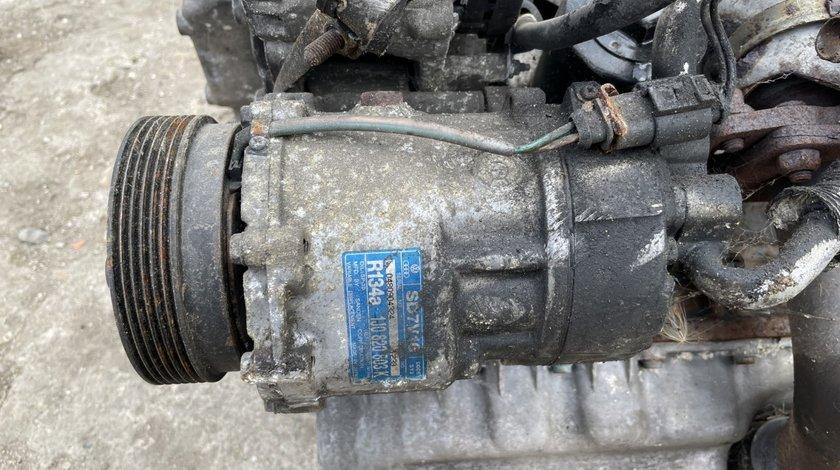 Compresor AC Volkswagen Golf 4 / Bora 1.6 benzina