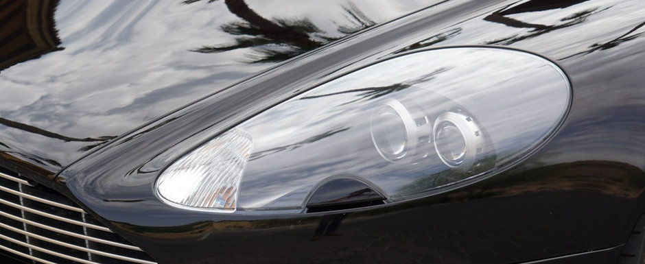 Concureaza cu Bentley si Lamborghini, dar la mana a doua costa cat un Seria 3 in patru cilindri. Poze reale