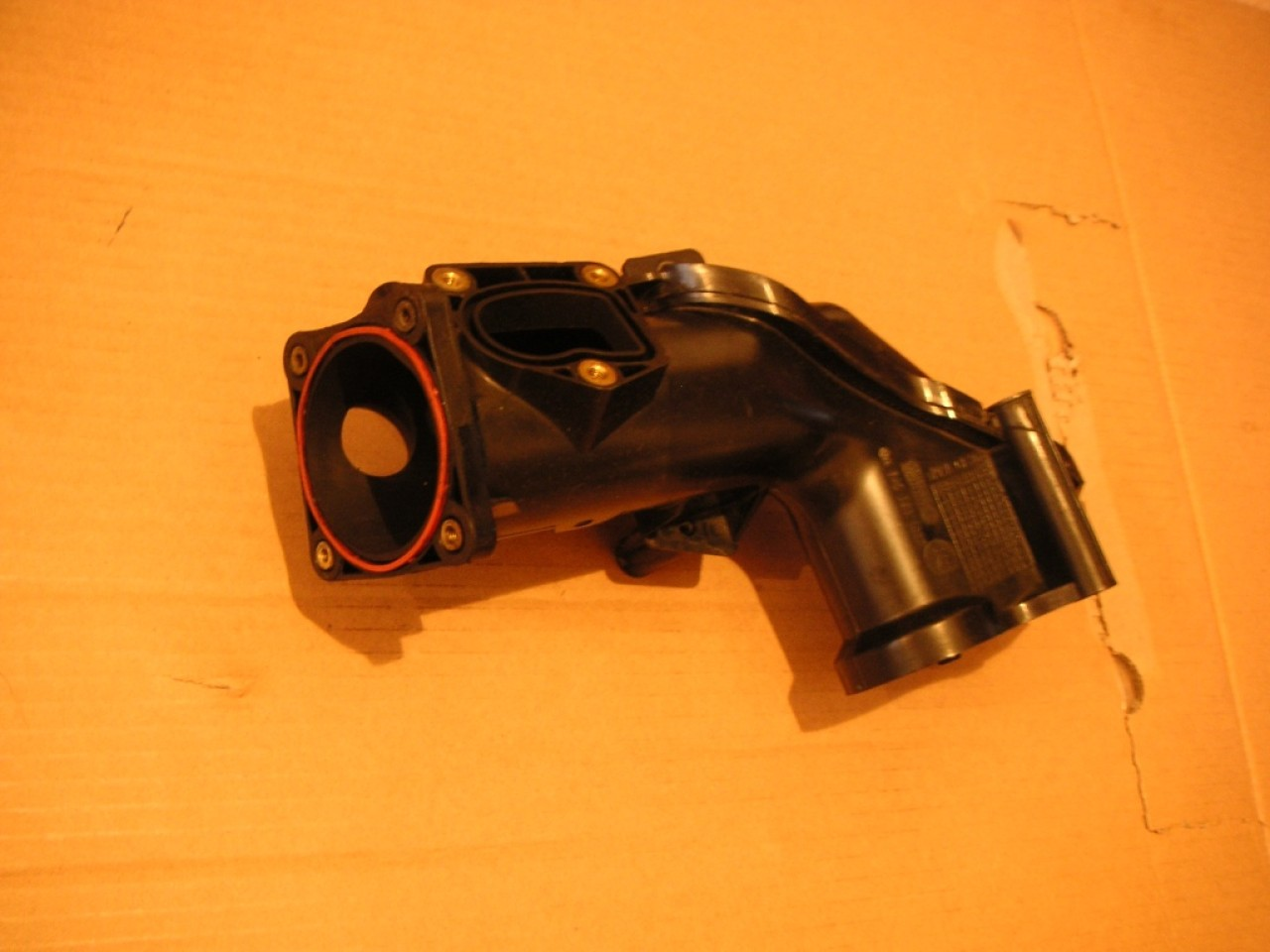 Conducta turbo galerie admisie Mercedes S-Class W221, W211, ML W164, CLS W219 cod A6420901037