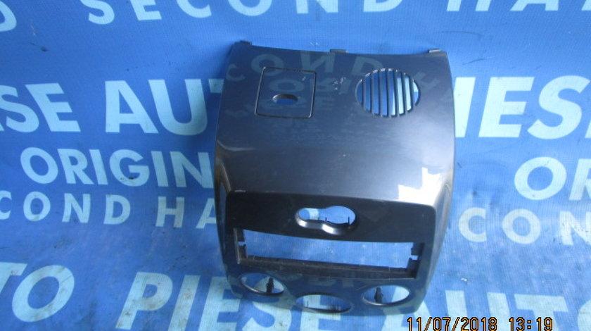 Consola bord Renault Clio ; 8200407843 (ornament)