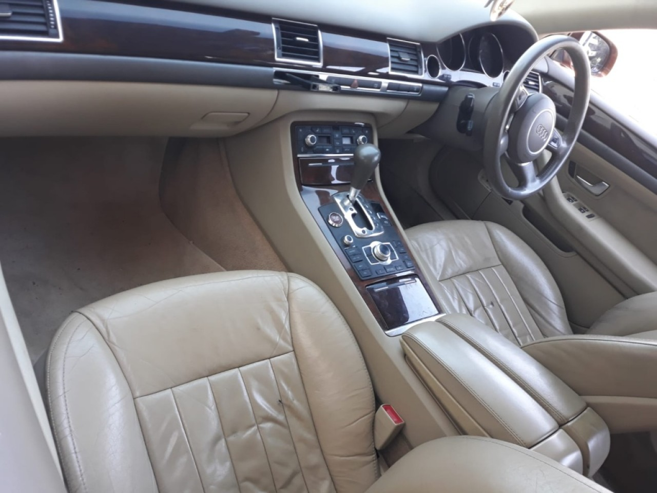 Consola centrala Audi A8 2004 berlina 3.0 benzina 220hp asn