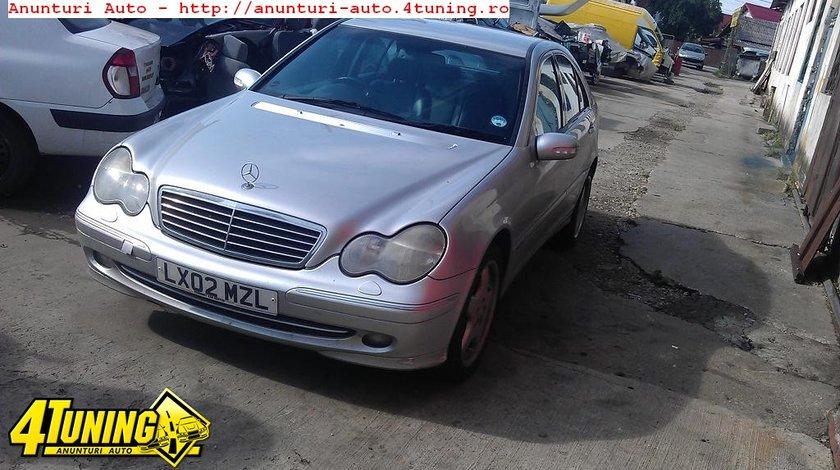 Consola centrala Mercedes C 220 W203 an 2002 dezmembrari Mercedes C 220 an 2002