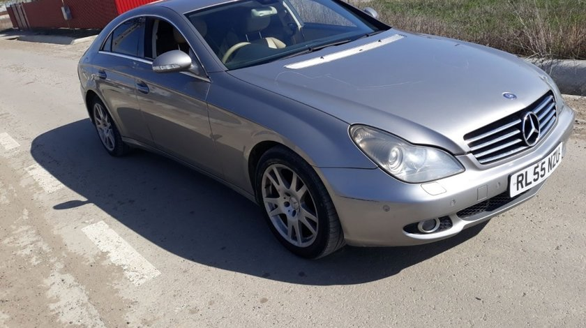 Consola centrala Mercedes CLS W219 2006 coupe 3.0 cdi om642 224hp