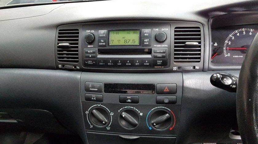 Consola centrala Toyota Corolla 2005 hatchback 1.3