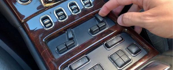 Costa cat un Volkswagen Golf, dar eclipseaza pana si un S-Class de ultima generatie