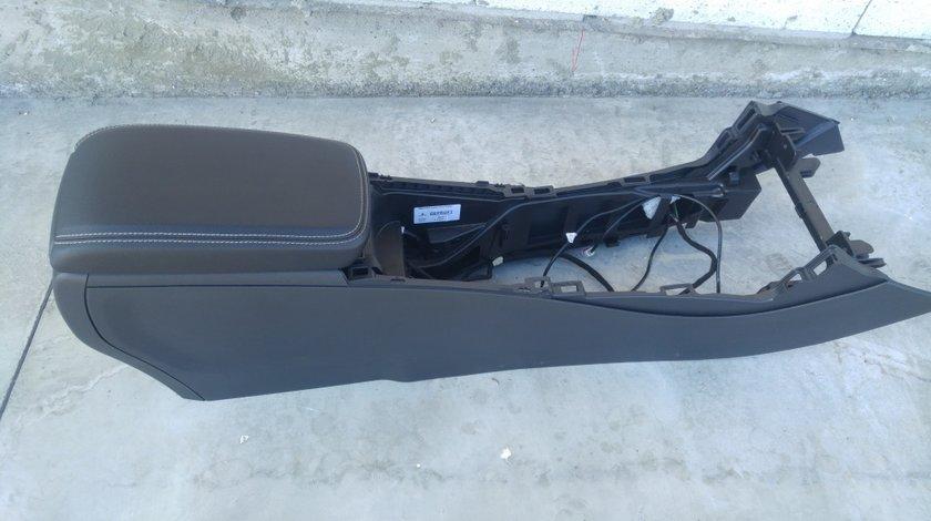 Cotiera mercedes a-class w176 a1766800900 dupa 2012