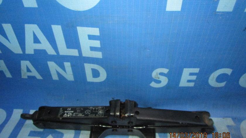 Cric Nissan Almera; 99550AV701