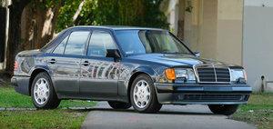 Cu cat se vinde azi un tanc pe roti cu motor V8 din perioada de glorie Mercedes