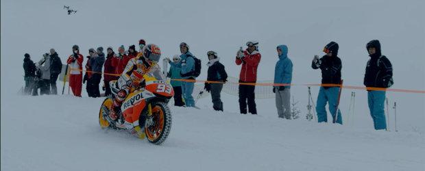Cu motocicleta de MotoGP pe partie. Cine altul decat Marc Marquez?