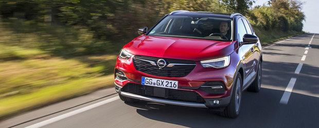 Cu noul Grandland X Design Line iti vei lua gandul de la Q3 sau GLA. Ofera dotari cu carul si pleaca de la 28.500 euro