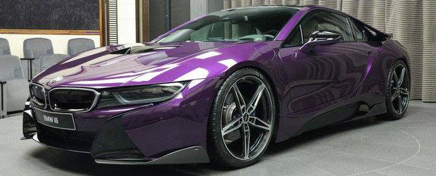 Cu o masina ca asta ai da-o pe spate chiar si pe Kim Kardashian