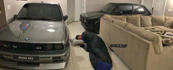 Cu uraganul la poarta, un american si-a parcat Ursuletul in sufragerie. A avut loc si pentru Golf-ul unui prieten