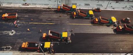 Cum arata asfaltarea unui bulevard urias din Moscova in doar 24 de ore. In Romania cate secole ar fi durat?