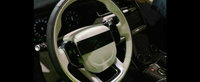 Cum arata interiorul lui Range Rover Velar, cel mai nou adversar pentru BMW X6