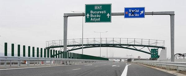 Cum arata primul tronson de autostrada din MOLDOVA. S-a dat in folosinta cu restrictii de viteza