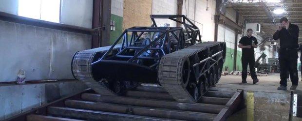Cum merge tancul Peacemaker din Mad Max Fury Road