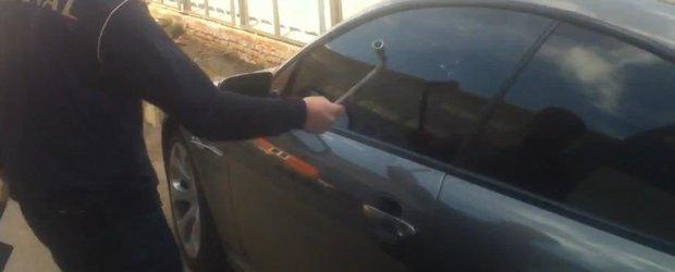 Cum sa deschizi un BMW cand ai uitat cheile incuiate in interior