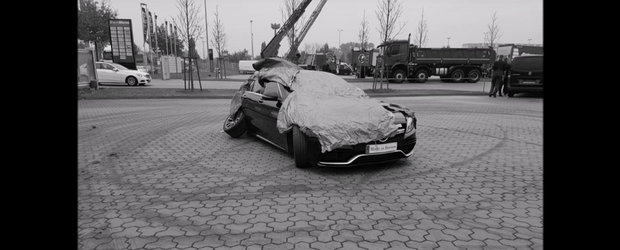 Cum sa faci praf un Mercedes C63 S AMG din 2 miscari
