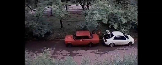 Cum sa furi benzina dintr-o masina in Rusia