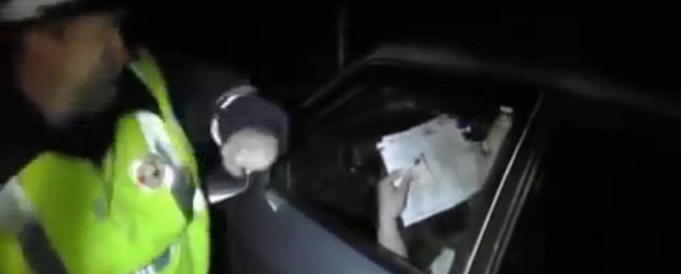 Cum se comporta politistii din Rusia cu cocalarii care se cred mai presus de lege. In Romania, pe cand???