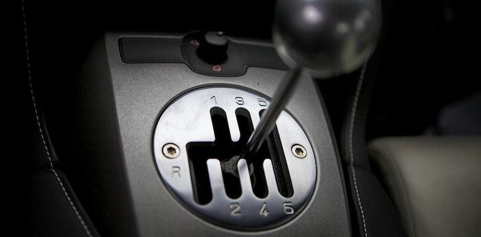 Cum se conduce CORECT o masina cu transmisie manuala: 7 lucruri de evitat cu orice pret!