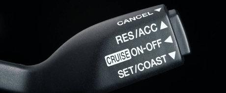 Cum se conduce corect si sigur o masina cu Pilot Automat