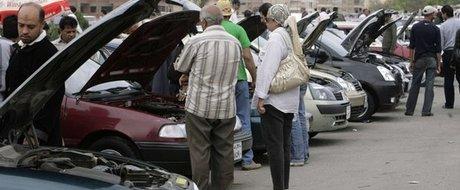 Cumpararea unei masini: anunturi online vs. targ auto
