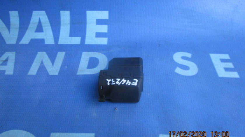 Cupla contact BMW E46 2000;  6901961