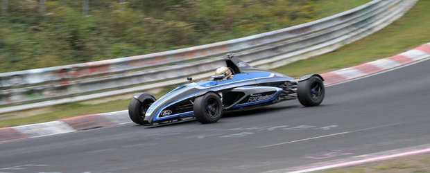 Curiozitatea Zilei: Cum se descurca pe Nurburgring un monopost de Formula Ford