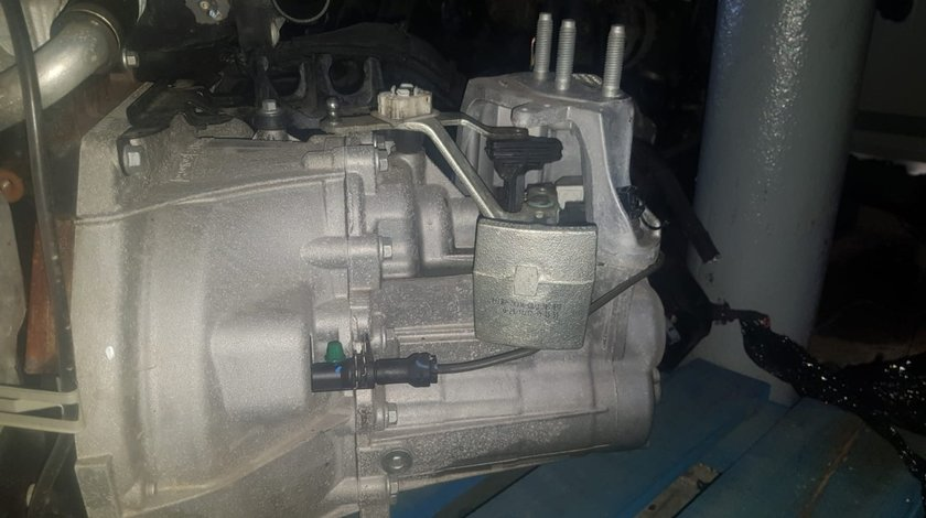 cutie de viteze  5+ 1 manuala  ford fiesta cod h1br 7002 gfc