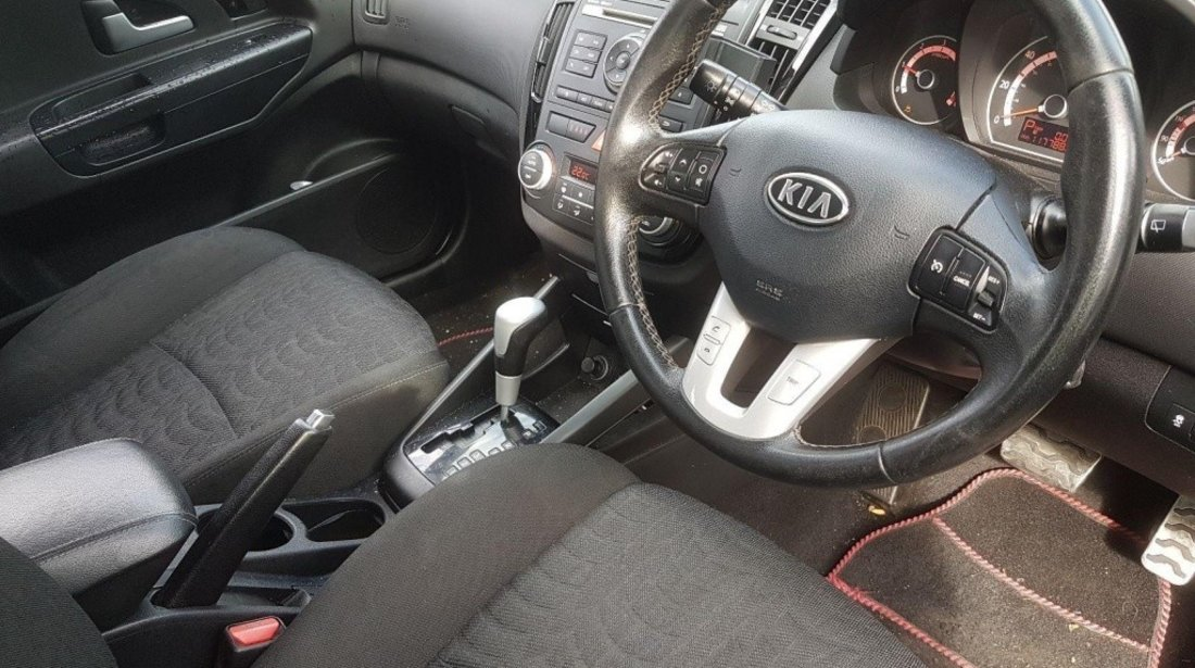 Cutie viteze manuala Kia Ceed 2010 hatchback 1.6