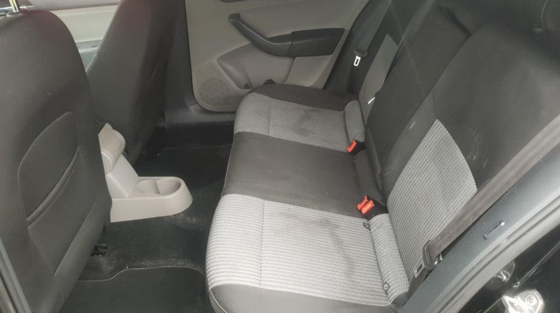 Cutie viteze manuala Seat Toledo 2013 mk 4 berlina 1.6 tdi cayc