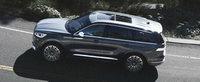 Daca nu vrei s-auzi de X5 sau Q7, asta e masina TA. Are 450 de CAI sub capota si 28 de boxe la interior