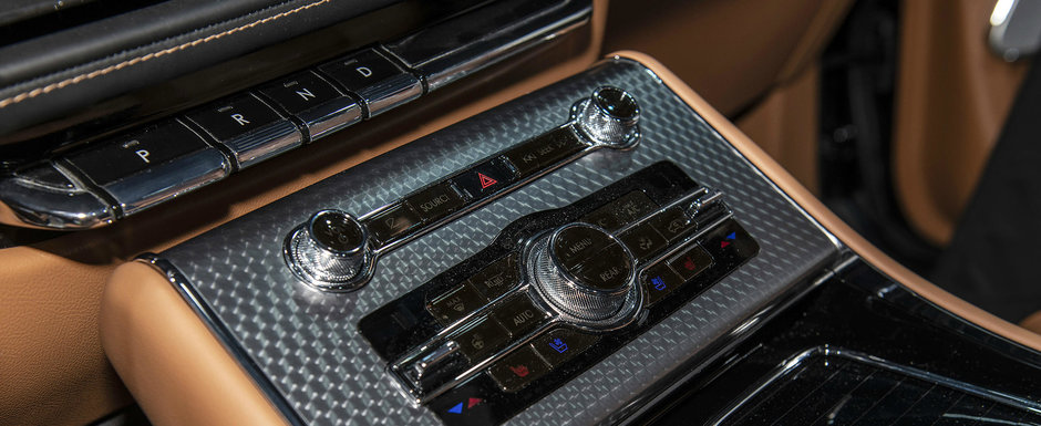 Daca nu vrei s-auzi de X5 sau Q7, asta e masina TA. Are 450 de CAI sub capota si 28 de boxe la interior. POZE REALE