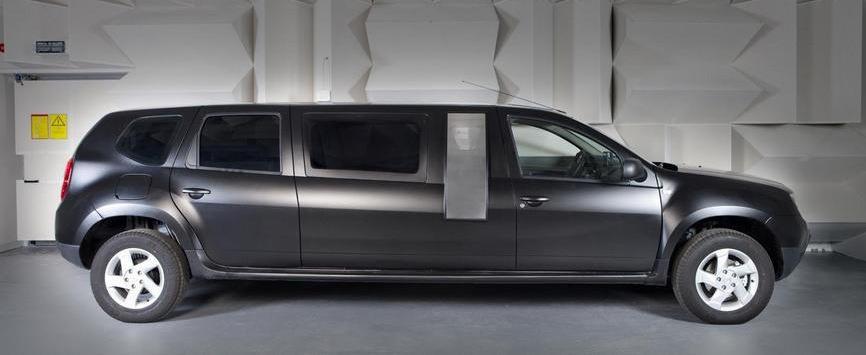 dacia duster birou mobil prezentata oficial la polifest. Black Bedroom Furniture Sets. Home Design Ideas