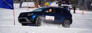 Dacia DUSTER este iar motiv de mandrie nationala. SUV-ul si-a demolat adversarii pe o pista de slalom