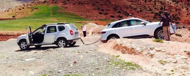 Dacia Duster la datorie: SUVul romanesc salveaza un Porsche Macan ramas blocat!