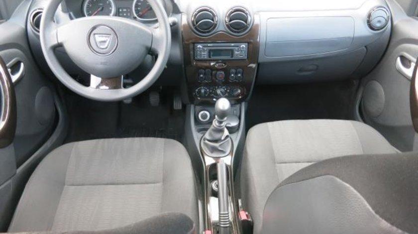 Dacia Duster Laureate 1.5 dCi 110 CP 4WD 2012