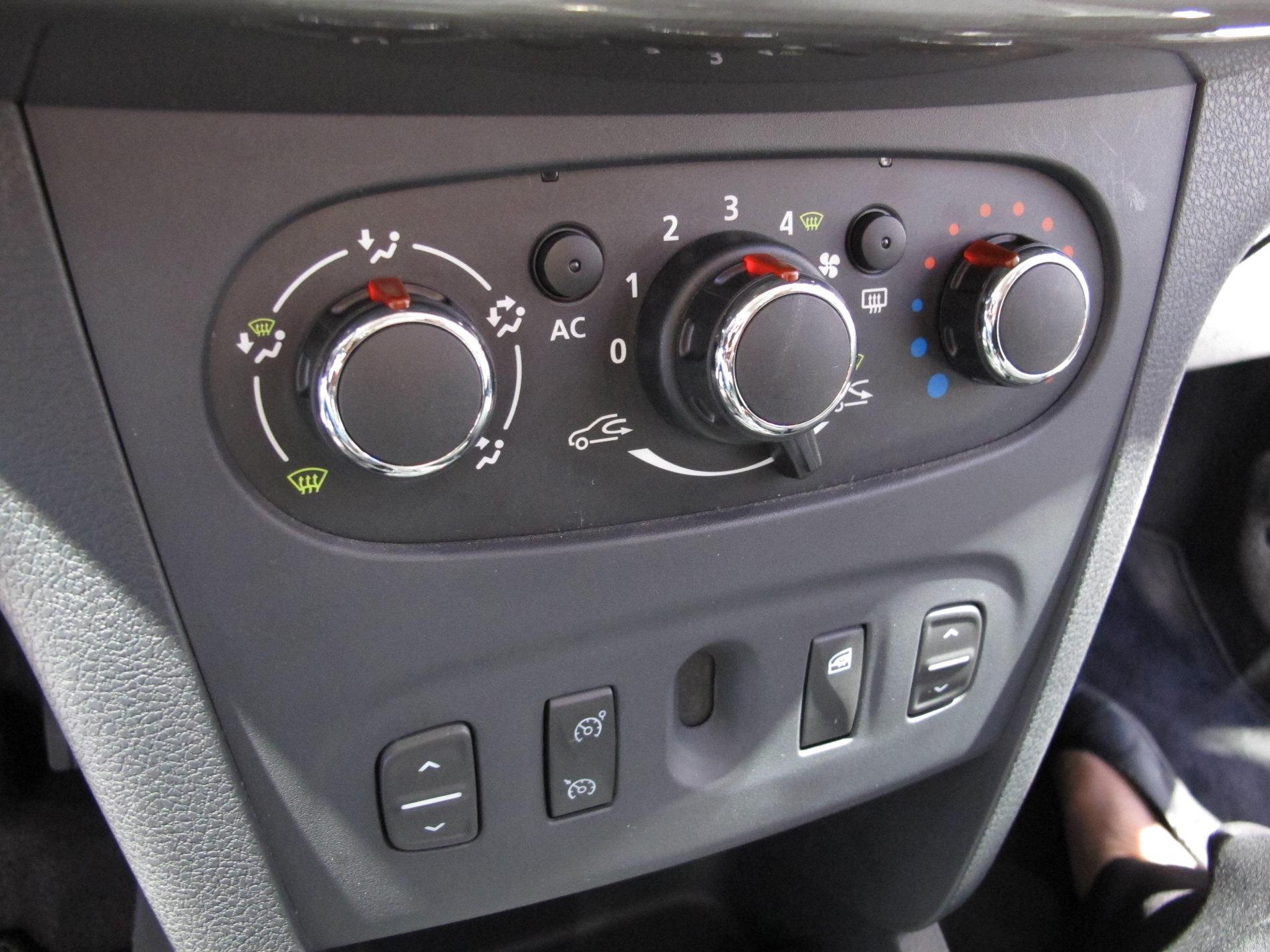 Dacia Logan 2: absolut toate detaliile despre noul Logan 2013 - Dacia Logan 2: absolut toate detaliile despre noul Logan 2013
